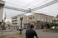 Emaranhado de fios e uso de postes serão debatidos em audiência pública na Câmara de CM